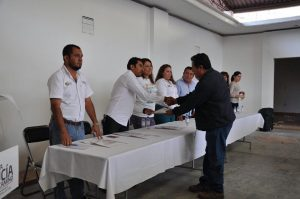 Raúl Cruz tomó protesta a 32 nuevos comités de colonias.