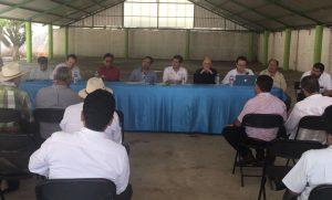 """Gobierno del estado atiende a los comités de propietarios en beneficio de """"El Espinal""""."""