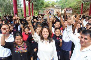 Gestiona Mariana Benítez infraestructura que beneficiará a jóvenes indígenas de la Sierra Norte