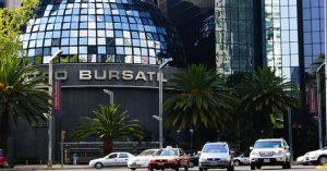 Bolsa Mexicana termina con baja, con la atención de inversionistas en Europa