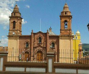 La lana hace milagros en la iglesia: Horacio Corro Espinosa