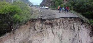 Habitantes de El Macahuite exigieron a la SCT reparación de carreteras