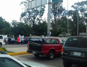 Nuevamente se movilizan telefonistas en Oaxaca.