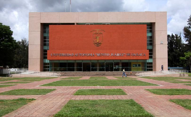 UJRM toman Facultad de Derecho