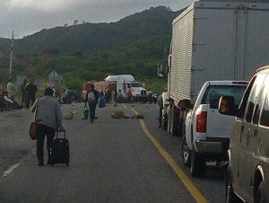 Habitantes de Chihuiro bloquearon rumbo al Istmo a la altura del Camarón