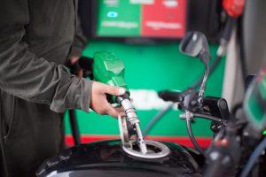Magna y Premium bajarán un centavo este martes, diésel mantendrá precio