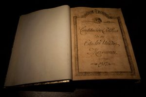 Centenario de la Constitución: cada vez menos  recuerdan por qué hubo una Revolución en México: Adrian Ortiz