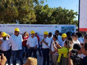 Reafirma Alejandro Murat compromiso para el desarrollo de Puerto Escondido