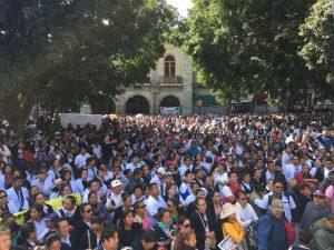 Protestan trabajadores de salud en Oaxaca
