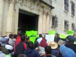 Protestan y exigen productores de tomate diálogo con municipio