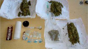 Policías estatales detienen a 2 personas con cristal y marihuana en la Costa