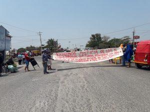 Pobladores de San Dionisio del Mar nuevamente bloquean en el  canal 33