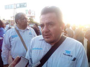 Amenazan telefonistas con huelga por la división de Telmex