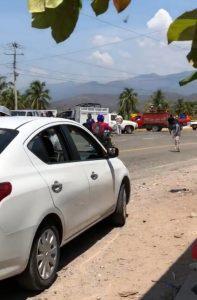 Bloquean carretera para exigir salida de comandante policíaco