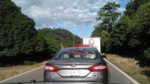 Bloquean transportistas la carretera Valle Nacional- Tuxtepec