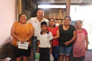 Seguirá apoyando Raúl Cruz a grupos vulnerables, así lo dijo en la Carrillo Puerto