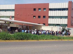 Pobladores de San Pedro el Alto protestan en Ciudad Administrativa