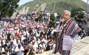 Modelo de AMLO es el populismo neoliberal de Salinas; sólo Pronasol: Carlos Ramírez