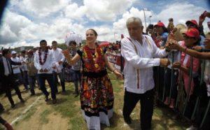 AMLO: el modelo Oaxaca 2006 para la Comuna de México 2018: Carlos Ramírez
