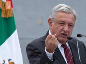 Disminuir los salarios de la burocracia, otra expresión del 'síndrome del cangrejo mexicano': Adrián Ortiz