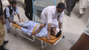 Atentado suicida deja 70 muertos en Pakistán