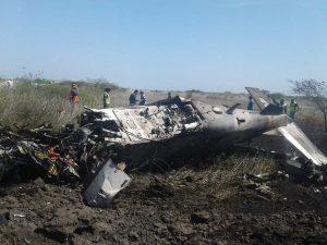 Se desploma avión de la Sedena en la base aérea de Ixtepec