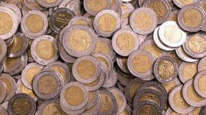 Banxico prevé menor crecimiento económico y más inflación a fin de año