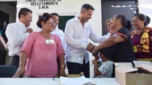Entrega AMH apoyos a más de 4 mil mujeres de Juchitán de Zaragoza