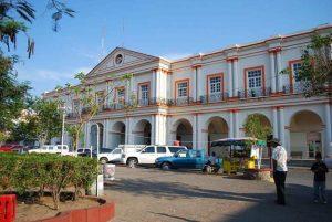 Colonos protestan en el Palacio de Santo Domingo Tehuantepec
