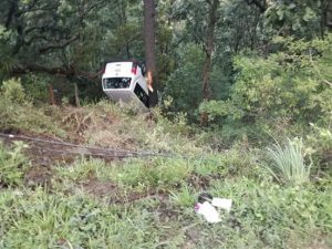 Delegado del ISSSTE de Oaxaca, sufre accidente automovilístico