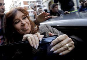 Procesan a Cristina Fernández por corrupción