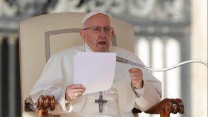 Abortar es como contratar a un sicario: papa Francisco