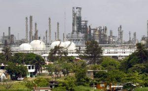 Caerá calidad crediticia de Pemex si ya no exporta