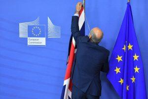 Ofrece CE un año más para transición por Brexit