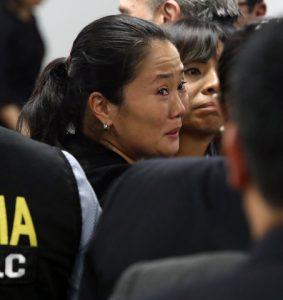 Revoca juez detención de Keiko Fujimori