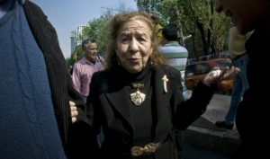 La medalla Belisario para Rosario Ibarra de Piedra, no para Slim: Carlos Ramírez