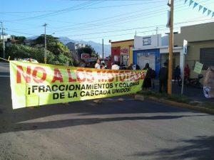 Con bloqueo vecinos exigen salida de mototaxis de al menos 8 colonias de la capital