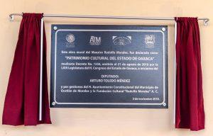 Devela Seculta placa de mural del maestro Rodolfo Morales