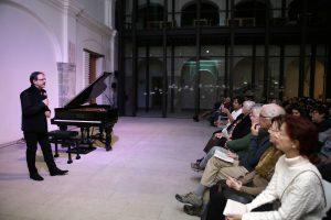Luca Chiantore deleita a oaxaqueños con sutil maestría  en el piano