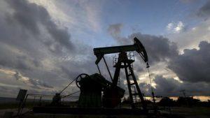 Trump pide no recortar producción de petróleo; OPEP y Rusia lo desoyen