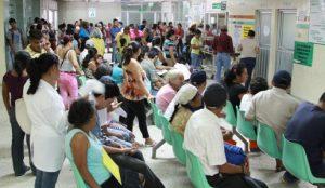 La eterna espera en las salas de urgencia mexicanas