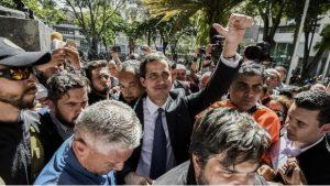 """Guaidó dice que no tendrá un """"falso diálogo"""" con Maduro por propuesta de México y Uruguay"""