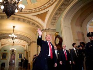 Trump no irá a Davos si se mantiene cierre de gobierno