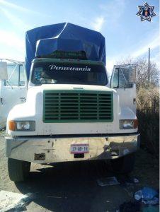 Recupera Policía Estatal vehículo con reporte de robo en la Mixteca