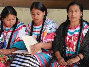 En riesgo de desaparecer 60% de lenguas indígenas en México