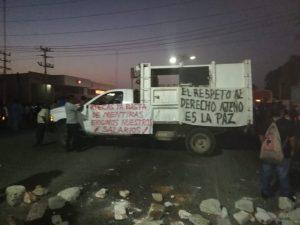 Empleados sindicalizados mantienen bloqueo en el Istmo