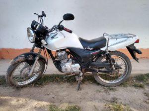 Una moto con reporte de robo y su conductor,  fueron asegurados en el Papaloapan