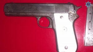 Detiene  Policía Estatal a persona con arma sin permiso de la Sedena