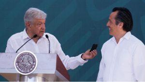 AMLO asegura que Cuitláhuac García está siendo sometido a fuertes presiones