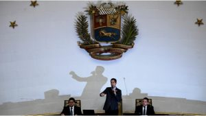 Quitan inmunidad a Guaidó; preparan juicio político